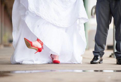 Comment un homme comme toi pourrait-il choisir une robe pour sa femme?